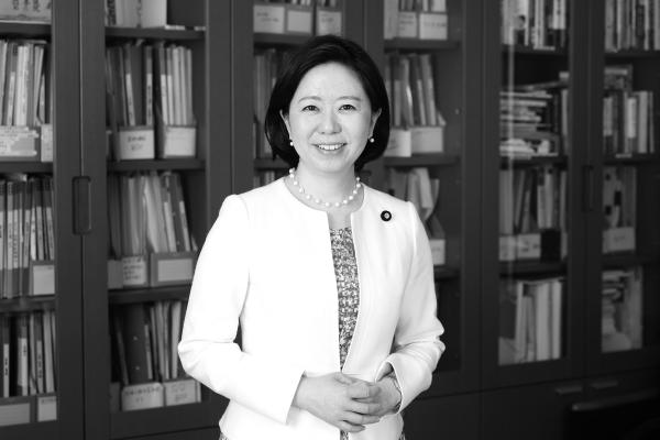日本の社会保障を次世代に繋ぐ ~外国人に対する医療など重要課題に取り組む~