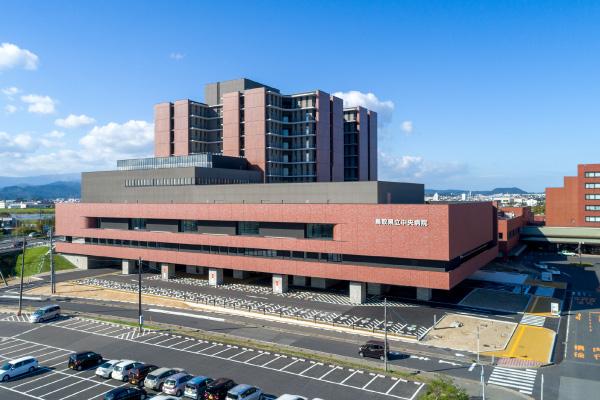 鳥取県立中央病院(鳥取県鳥取市)